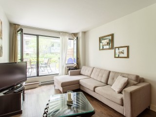 1414 Rue Chomedey Photo 1